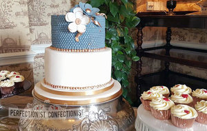Wedding cake  cupcakes  rose gold  teal  blue  green  pearls  handmade  castle durrow  portlaoise  swords  kinsealy  malahide  portmarnock  cake  cupcakes  hearts