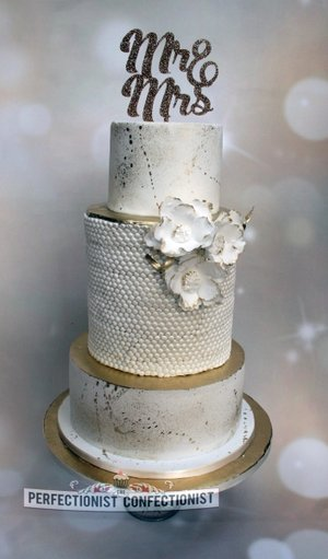 White and gold wedding cake wedding cake clonwilliam house wicklow bespoke wedding cake handmade wedding cake cake swordsmalahide 6