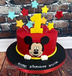 Mickey mouse birthday cake first birthday cake dublin cakes dublin celebration cake malahide novelty cake swords 1