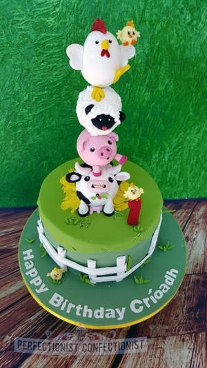 Farmyard farm cow old macdonald pig sheep hen chicks cake birthday first 1st malahide kinsealy lusk swords dublin 2