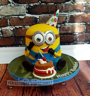 Minion birthday cake  minion cake  40th birthday cake  minion  dublin  swords  malahide  kinsealy  celebration cake  novelty cake  %285%29