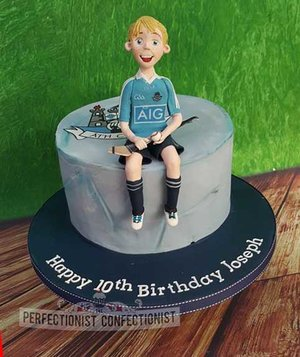 Birthday cake  birthday  cake dublin  gaa  hurling  cake topper  dublin gaa cake  chocolate biscuit  swords  malahide  kinsealy. celebration  novelty  %281%29