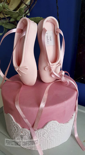 Ballet  ballet shoes  birthday cake  red velvet  lemon  pink  feathers  girlie  dublin  swords  kinsealy  malahide  celebration  novelty %282%29