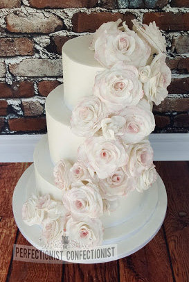 Castle durrow  wedding  cake  wedding cake  roses  pink  blush  elegant  dublin  swords  malahide  kinsealy  chocolate biscuit  lemon  ginger date  %282%29
