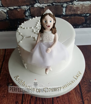 Communion  cake  cake topper  personalised cake topper  girl  dress  vanilla  dublin  swords  malahide  kinsealy  novelty  celebration %282%29
