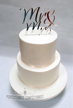 Shindigs  cake  topper  white  ivory  bling  flash gold  wedding cake  wedding  cake  dublin  swords  malahide  portmarnock %284%29
