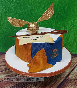 Harry potter cake  ravenclaw cake  ravenclaw  luna lovegood wand  golden snitch  birthday cake  novelty  celebration  sandymount  dublin  malahide  swords %281%29