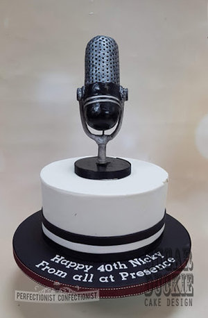 Old fashioned microphone cake  mic cake  nicky byrne  2fm  40th birthday  chocolate biscuit  celebration  novelty  perfectionist confectionist  sugar duckie designs %28 %285%29