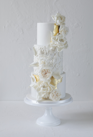 wedding cake, sugar flowers, bas relief, gold leaf