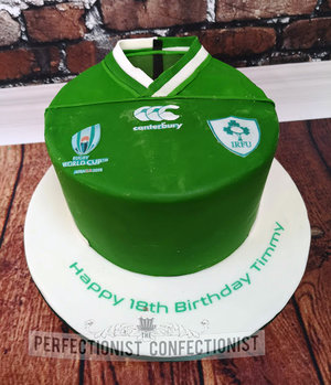 Ireland  rugby  jersey  cake  world cup  18th  birthday  novelty  celebration  swords  malahide  kinsealy  dublin  cake maker  bespoke  handmade  irfu %281%29