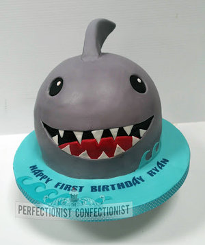 Babyshark  baby shark  cake  birthday  jaws  shark  birthday cake  dublin  swords  malahide  kinsealy  cake maker  chocolate  novelty  celebration  %281%29