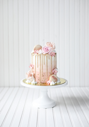 birthday cake, cake for girls, drip cake, French macarons, meringue kisses