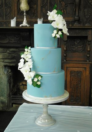 Gladioli & Duck Egg Wedding Cake