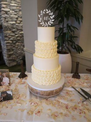 Rosette   smooth buttercream sheen falls lodge