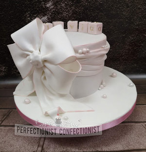 Christening  cake  naming day  cake  cake maker  cakemaker  dublin  swords  malahide  pink  bow  blocks  pretty  cute  elegant  kinsealy  portmarnock  %281 %286%29
